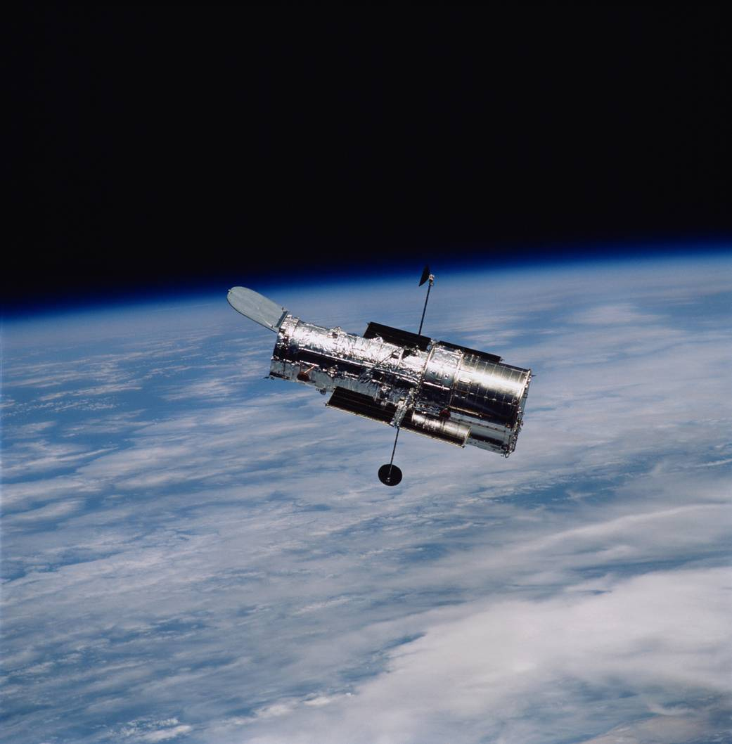 hubble telescope high-gain antennas